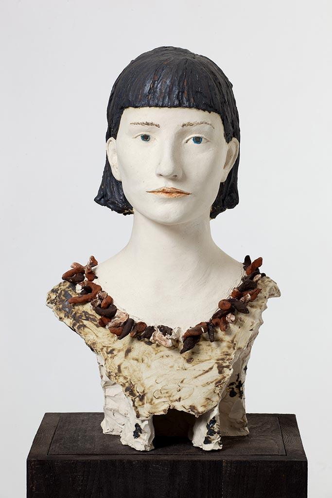 Anna-Katarijna, Terrakotta engobiert, 40x30x25 cm, 2002