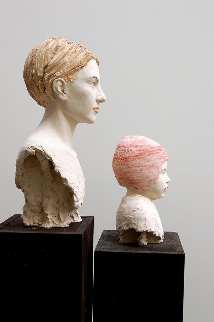 Anna, 55x33x28 cm; Alma, 36x28x20 cm, Terrakotta engobiert, 2006