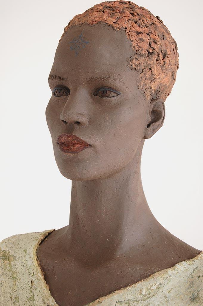 Äthiopierin, Terrakotta engobiert, 63x39x25 cm, 2018