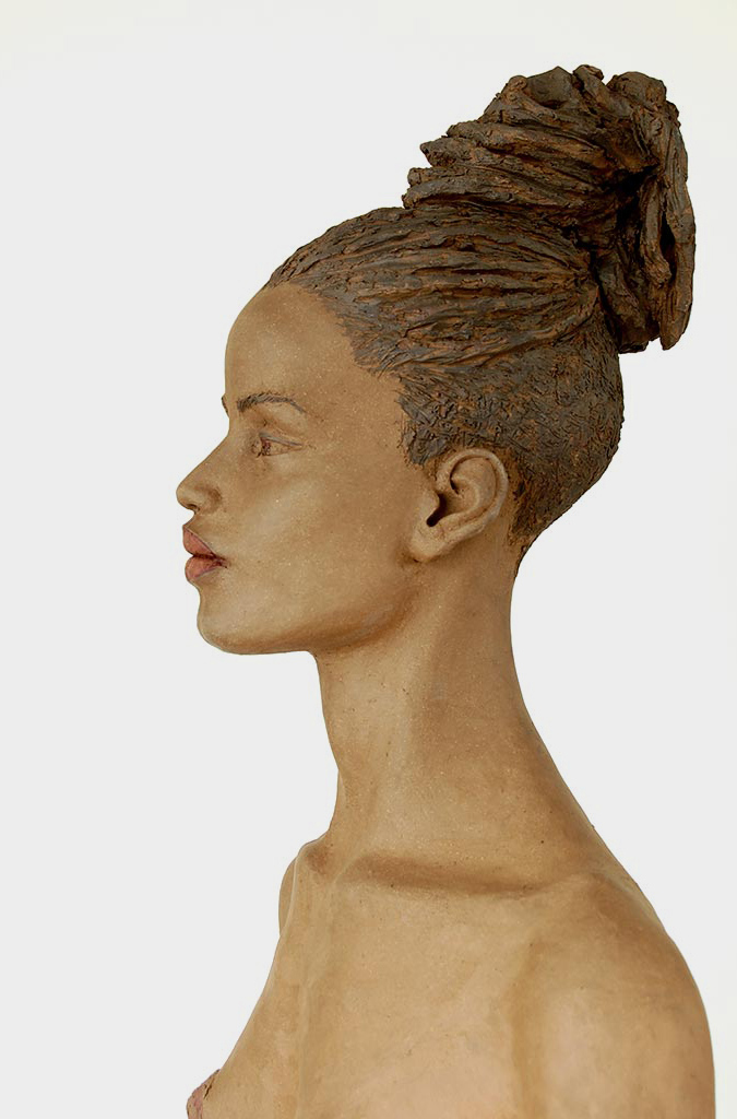 Römerin, Terrakotta engobiert, 62x35x28 cm, 2018