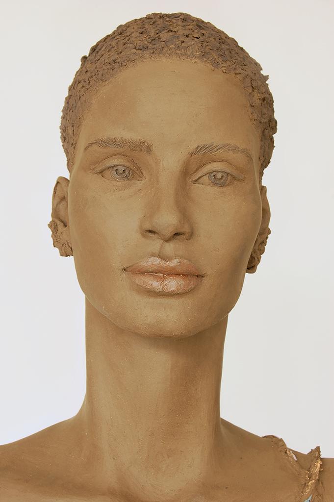 Adwoa, Terrakotta engobiert, 52x32x24 cm, 2019