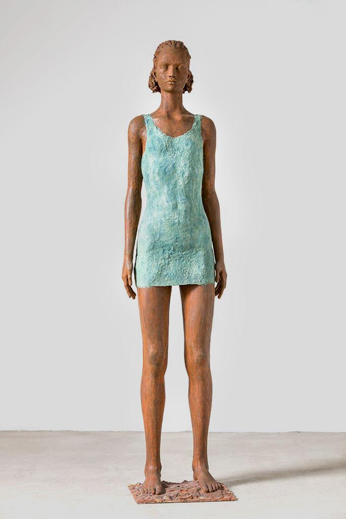 Mädchen mit türkisem Kleid, Alabastergips, Zellstoff, 158 cm, 2014