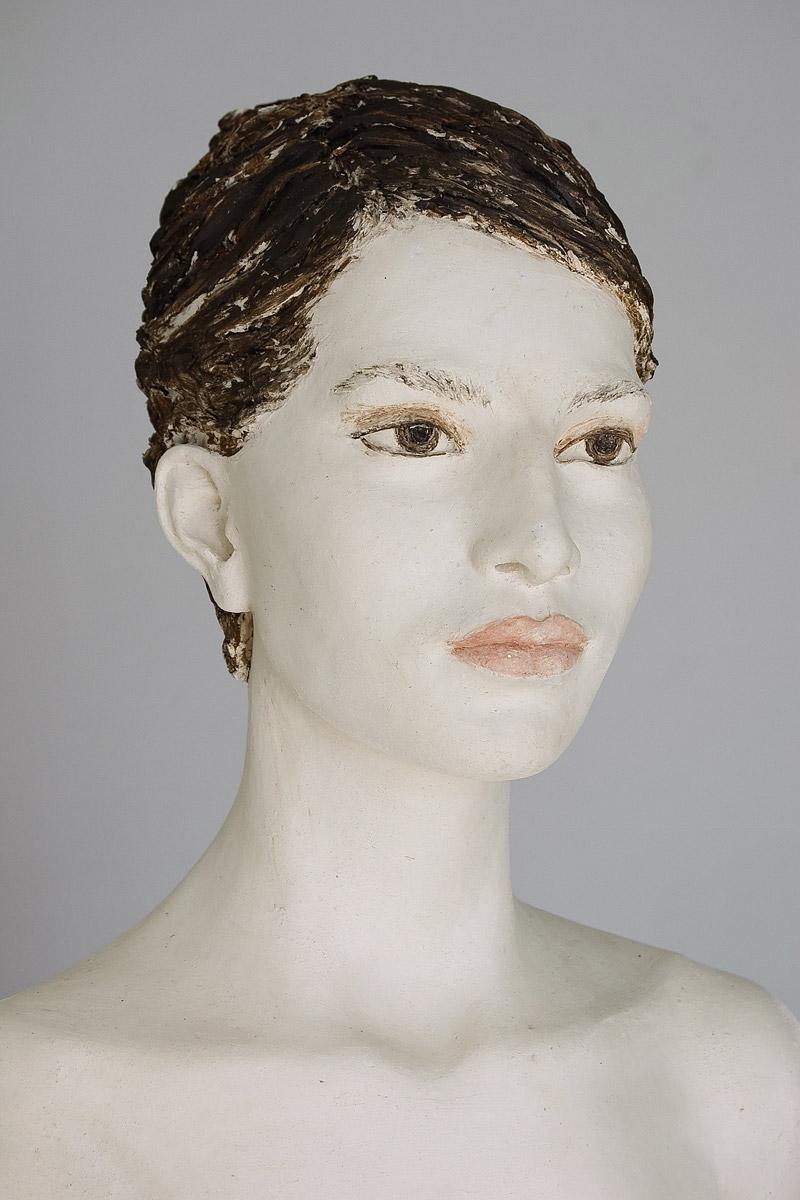 Catarina, Terrakotta engobiert, 49x35x28 cm, 2013