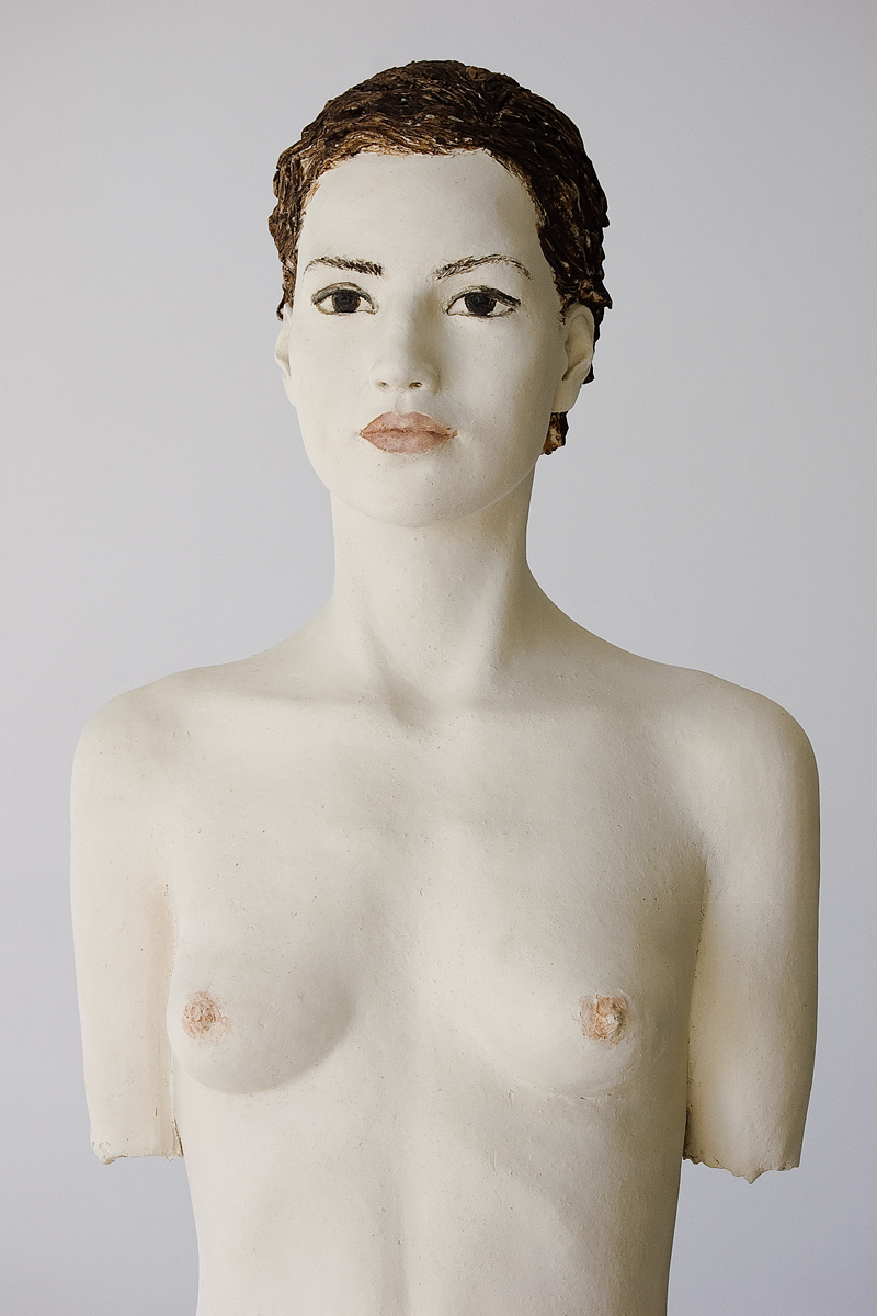 Donna Franca, Terrakotta engobiert, 69x34x18 cm, 2012