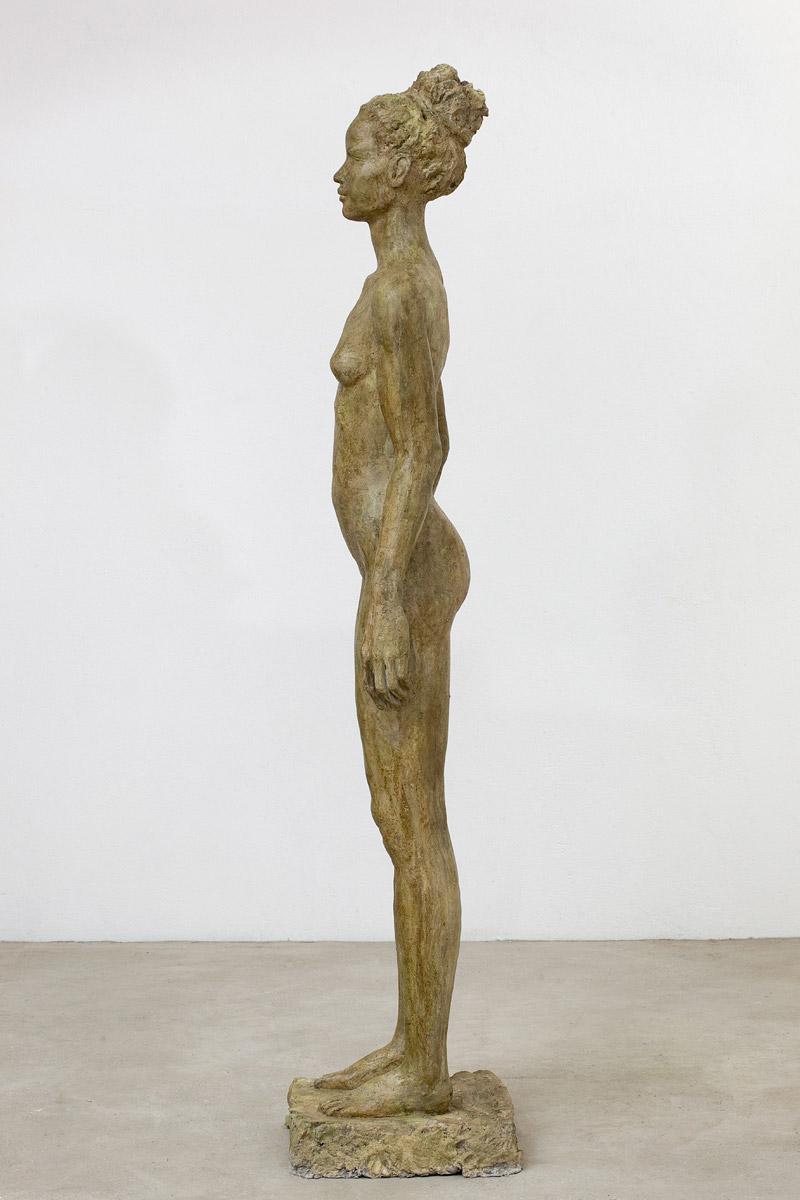 Stehende, Steinguss getönt, 181x39x36 cm, 2010