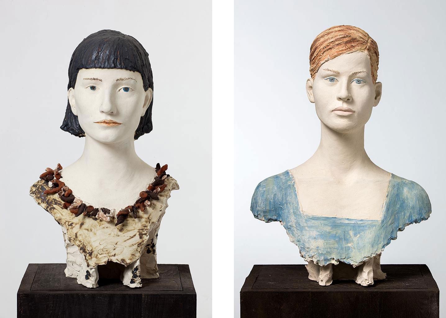 Anna-Katarijna, Terrakotta engobiert, 40x30x25 cm, 2002; Laura, Terrakotta engobiert, 54x39x30 cm, 2004
