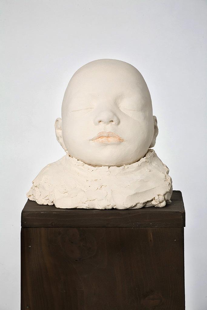 Julian, Terrakotta engobiert, 19x18x18 cm, 2006