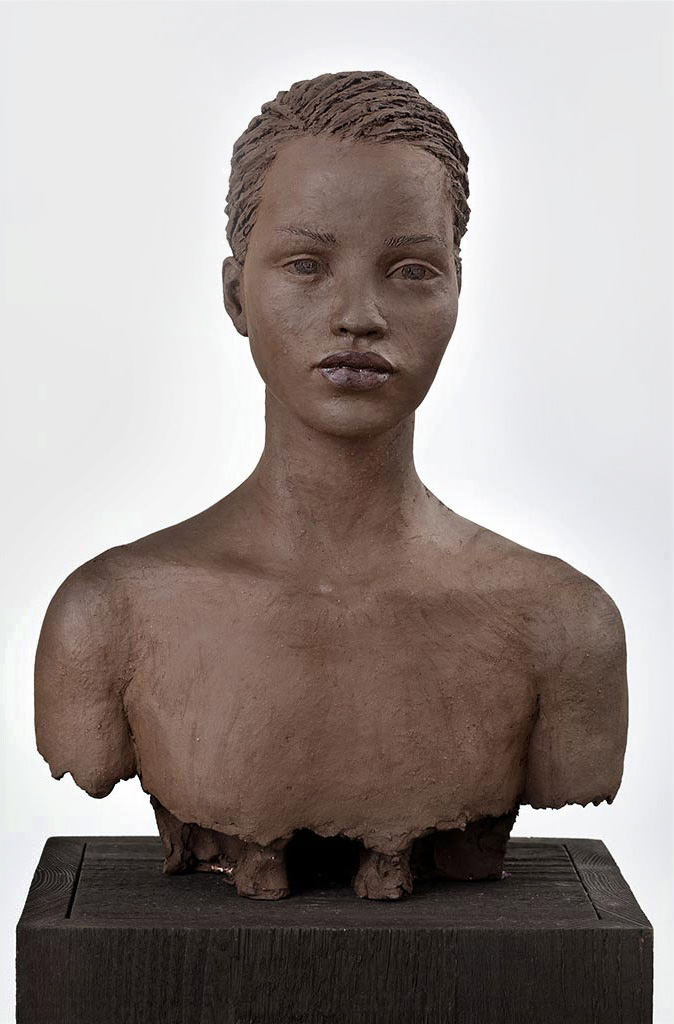 Awa, Terrakotta engobiert, 45x32x23 cm, 2012