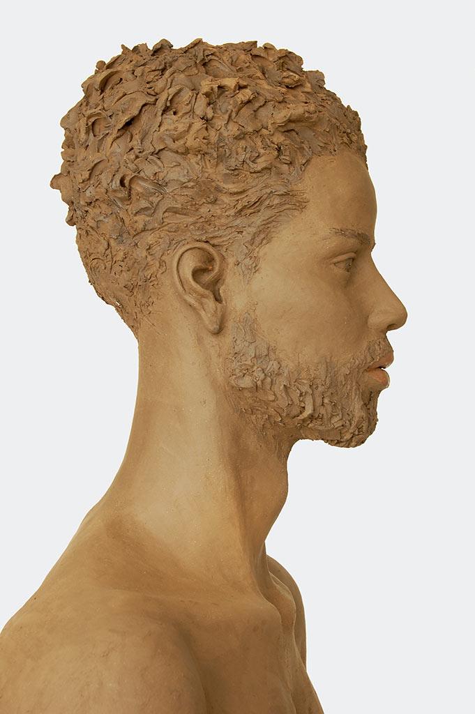 Ragazzo romano, Terrakotta engobiert, 57x45x27 cm, 2019